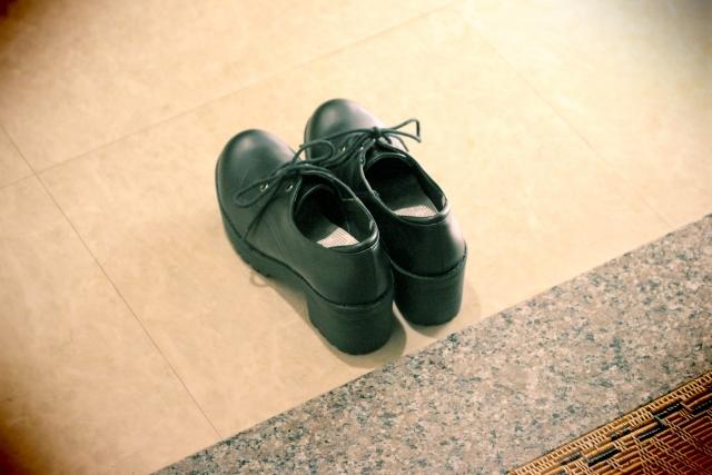 クリアネオは足にも効果があるのでしょうか|気にせず靴が脱げる!
